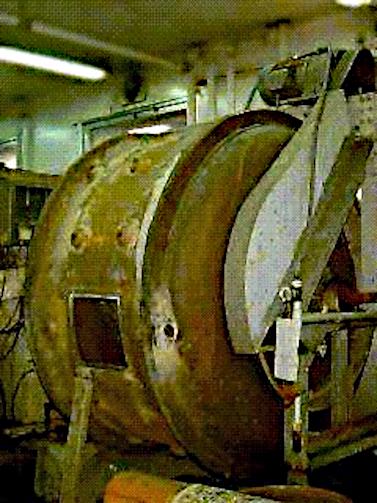 試験用中型ドラム