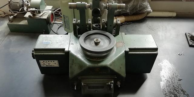 テーパー式摩耗試験機